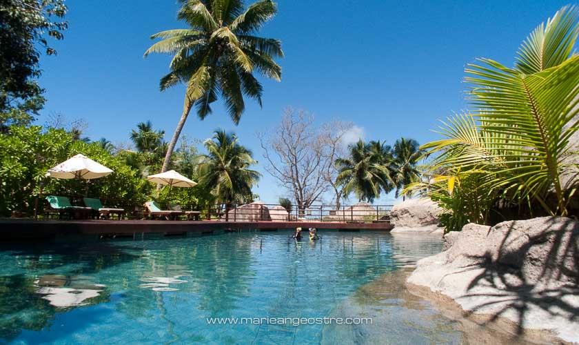 Seychelles, hôtel Lemuria Resort (Praslin), piscine © Marie-Ange Ostré