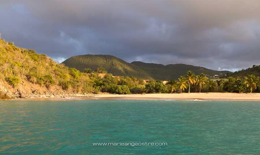 Saint-Martin plage Happy Bay juste avant le coucher du soleil © Marie-Ange Ostré