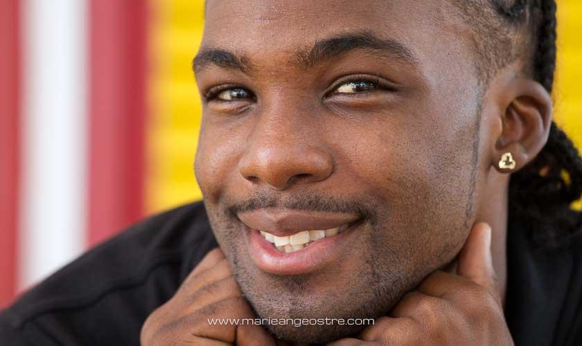 île de la Barbade, portrait serré d'un jeune homme © Marie-Ange Ostré