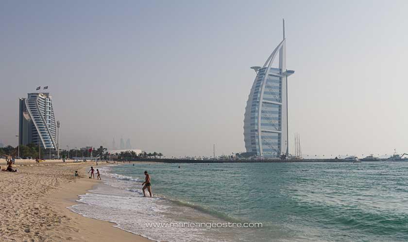 Dubai, hôtel Burj Al Arab depuis la plage © Marie-Ange Ostré