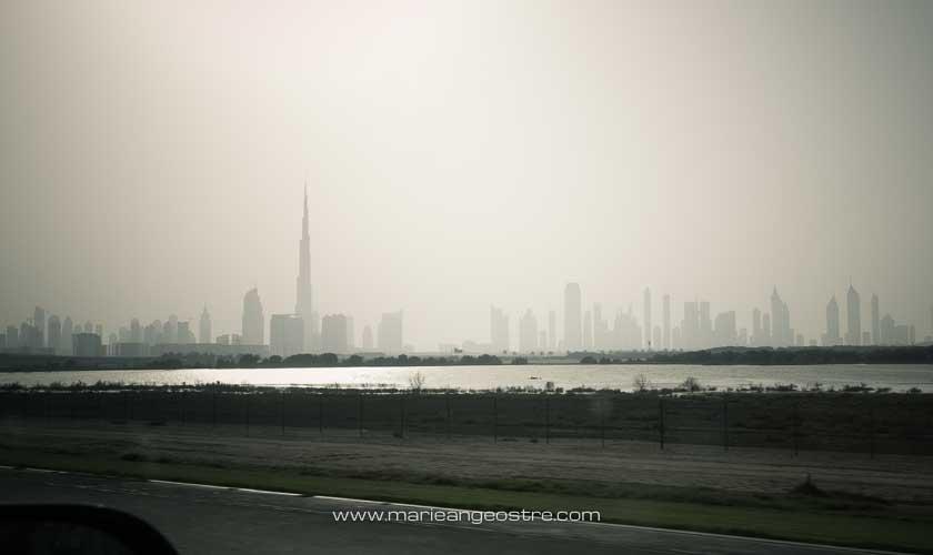 Dubai, horizon sur la ville dans la brume de fin de journée © Marie-Ange Ostré