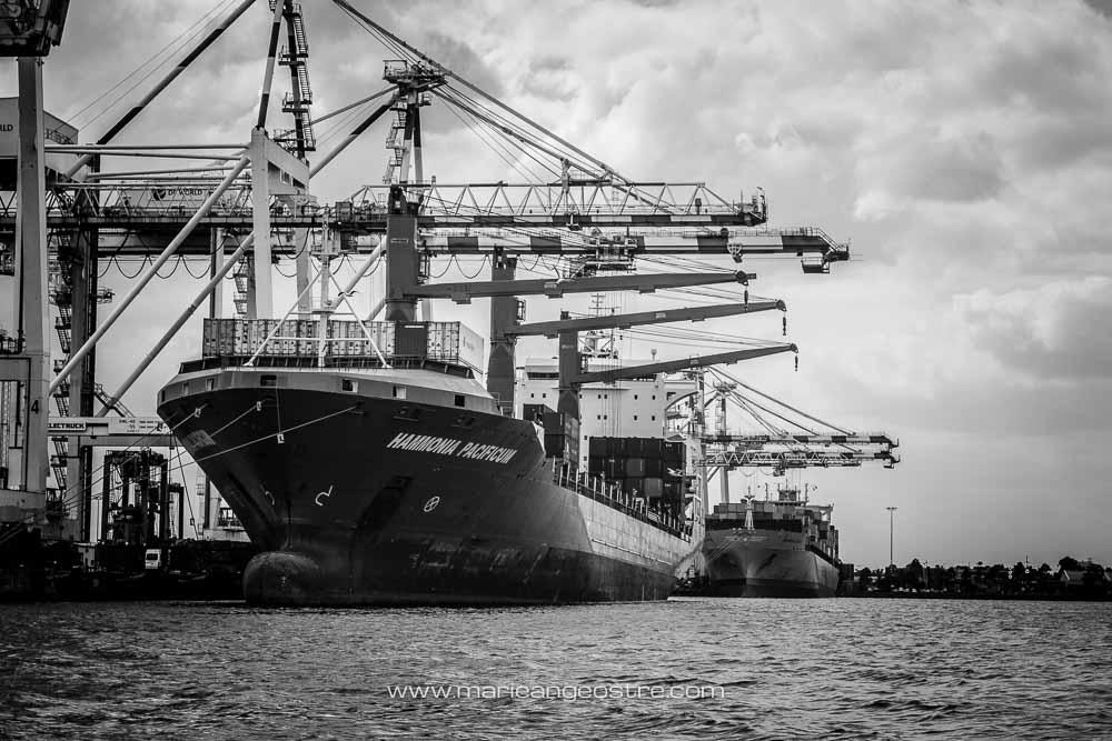 Australia, Melbourne harbour (Australie, cargos dans le port de Melbourne) © Marie-Ange Ostré