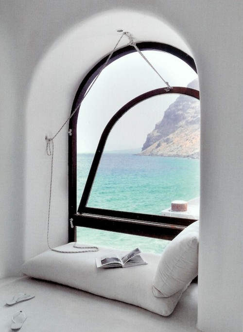 Reading Alcove, Santorini, Greece