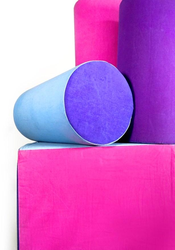 Make-A-Mark-pillows_thermochromic-heatsensitive-textile-print-by-Marie-Ledendal-2-web