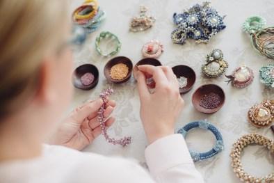 Handgefertigte Schmuckstücke aus hochwertigen japanischen Glasperlen und Swarowski-Elements