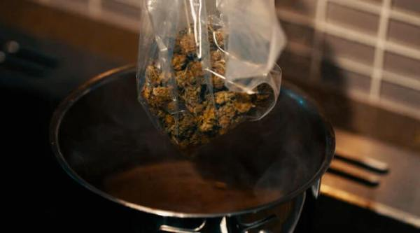 How to Decarboxylate Weed at Home Using Oven & Oven Bags