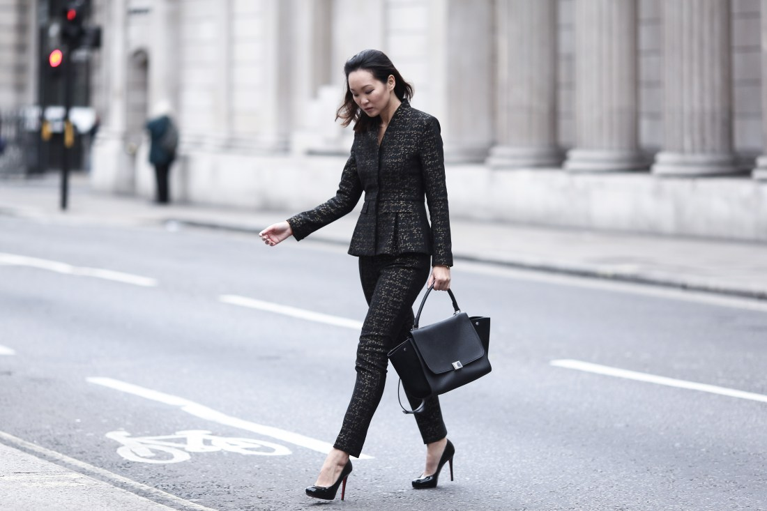 mariko-kuo-the-fold-wren-jacket-and-trousers-at-the-royal-exchange-9