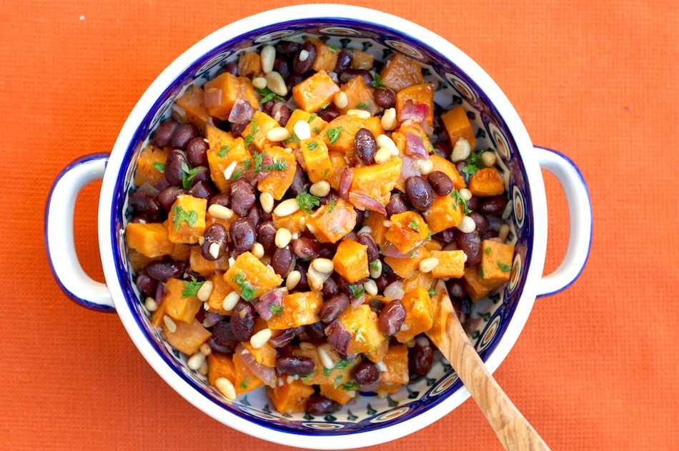 Roasted sweet potatoes with shallots and beans