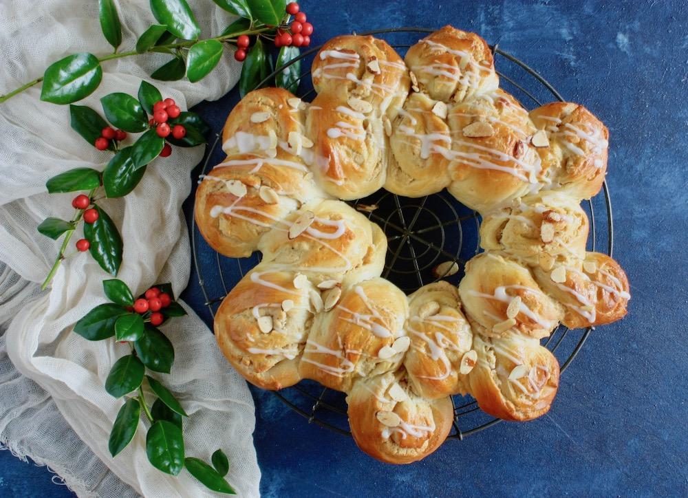 Swedish Christmas Bread.Heavenly Swedish Christmas Almond Coffeecake