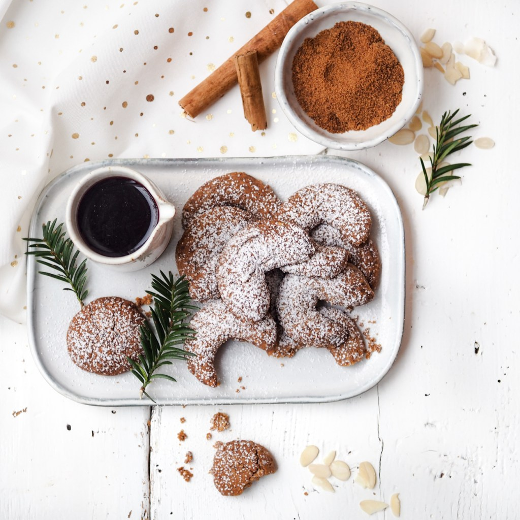 Vegan Vanillekipferl mit Kokosblütenzucker und Dinkelmehl