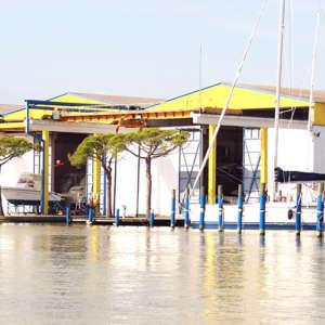 cantiere ricovero barche Marina4