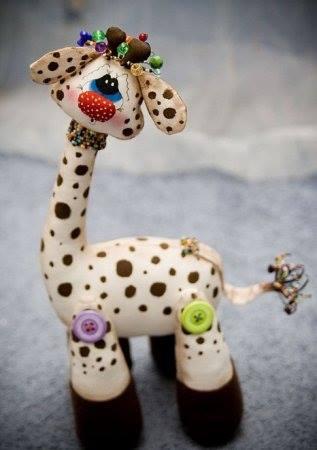 jirafa en goma eva