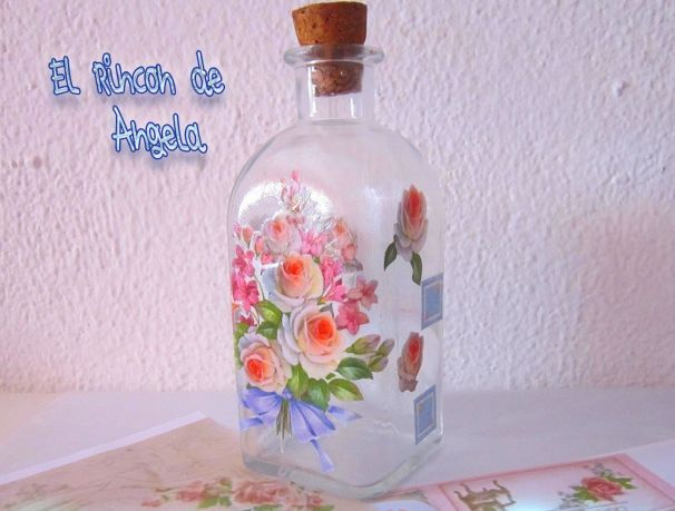 decorar-con-decoupage-una-botella-de-cristal
