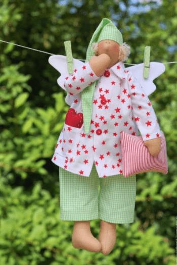 Tilda muñeca de tela en pijama (2)
