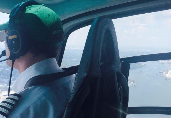 Giro a sorpresa in elicottero e limousine