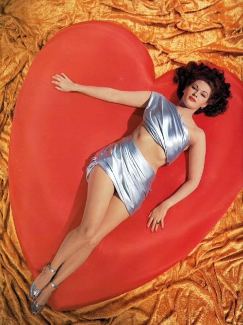 valentines-day-pinup-yvonne-de-carlo