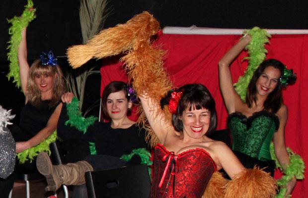 Clase-Burlesque-en-Nox-Martotell-Marina-Salvador-profe-6
