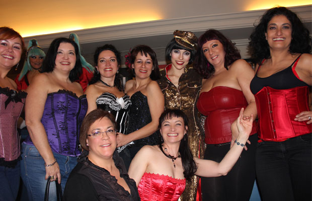salida-al-teatro-the-hole-alumnas-burlesque-4