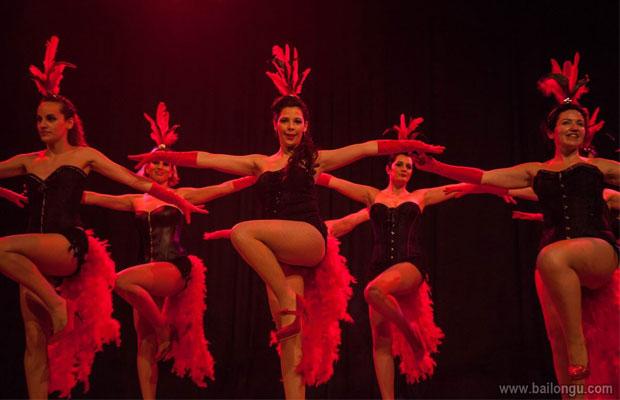 Clases-burlesque-barcelona-actuacion-Vedettes-1