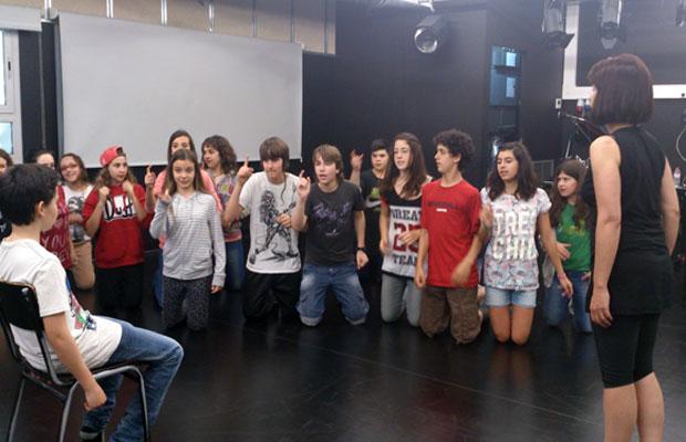 clases-para-adolescentes-moulin-rouge-3