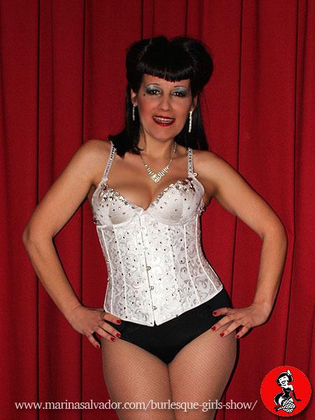 actuacion-Burlesque-Girl-Marina