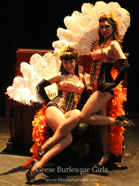 Actuacion-Geese-Burlesque-Girls-Fira-Modernista-Terrassa-2015-1