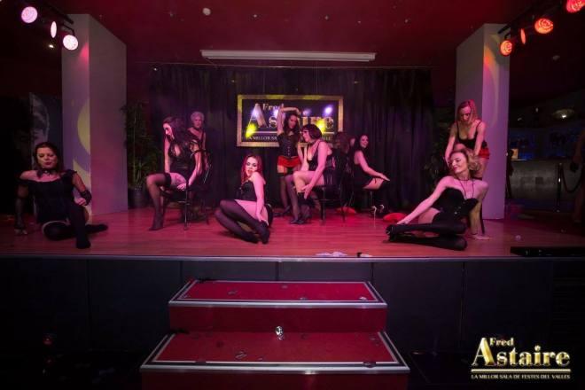 Show-Burlesque-Actuacion-Marina-Salvador-6