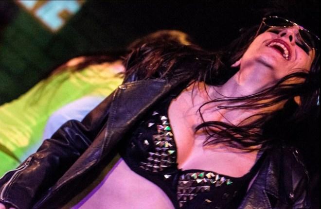 Marina-Salvador-profesora-Strip-dance-heavy-metal