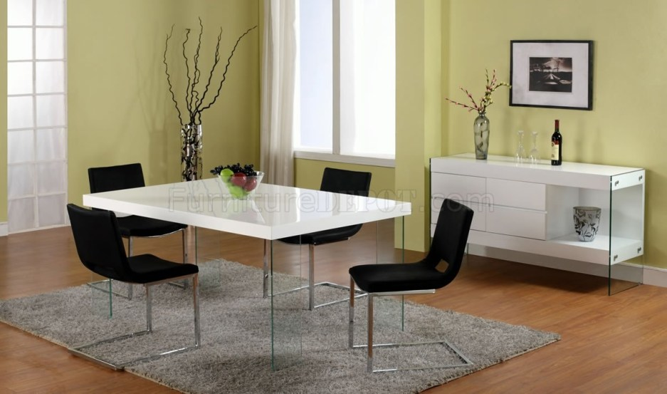 white lacquered dining table wglass legs optional chairs