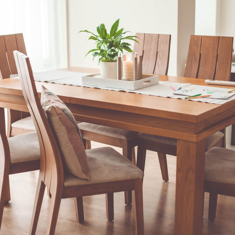 judging quality in wood furniture