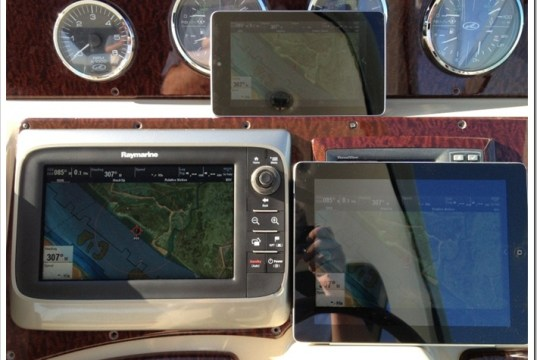 Image in Afternoon sun 4pm of Raymarine C97, iPad Retina and Nexus 7