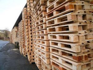 pallets 300x225 - What are Pallets and Palletizing in Shipping?