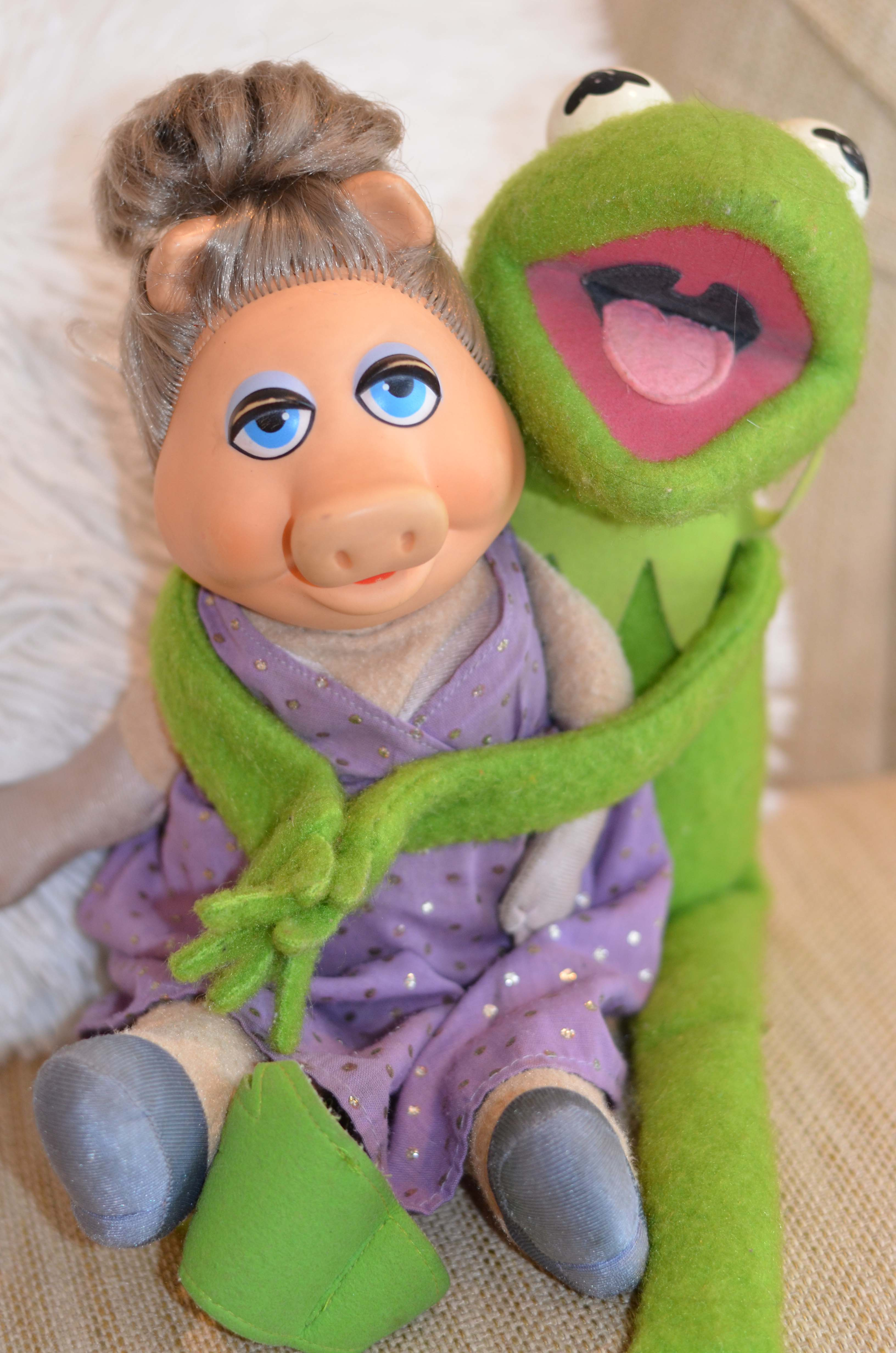displaying 16 gt images for miss piggy and kermit