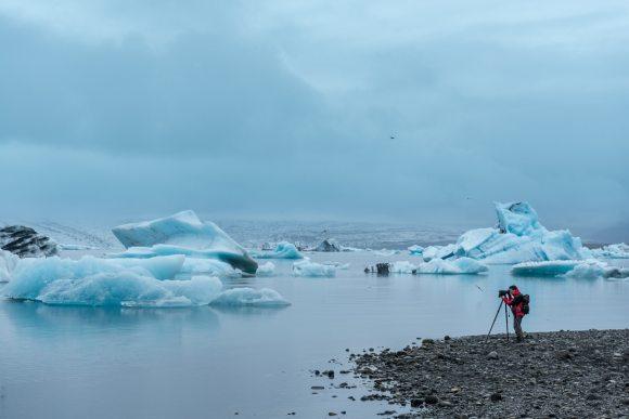 Fotógrafo en el Lago Glaciar de Jökulsárlón