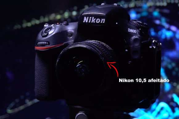 Nikon D800 con lente Nikon 10,5 mm ojo de pez afeitado para hacer fotos panorámicas