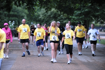 Photo of runners at the Park and Tower Race 2011