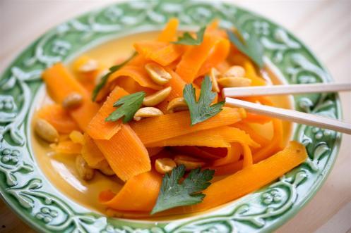 salade-asiatique-carottes-cacahuetes (1 sur 3) (Large)