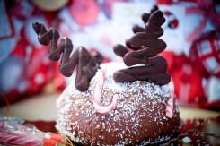 Dôme-de-Noël-Mousse-Chocolat-aux-Griottes-&-Brownie-aux-Noisettes-rudolf-renne-foret-noire (3 sur 6) (Large)