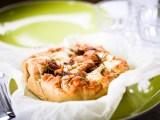photo d'une focaccia aux figues et fromage de chèvre