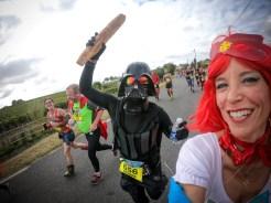 Marion Barral et Dark Vador au marathon du Médoc