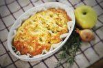 photo d'une focaccia à la pomme et au romarin après cuisson