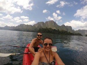 Kayak sur le lac de Khao Sok