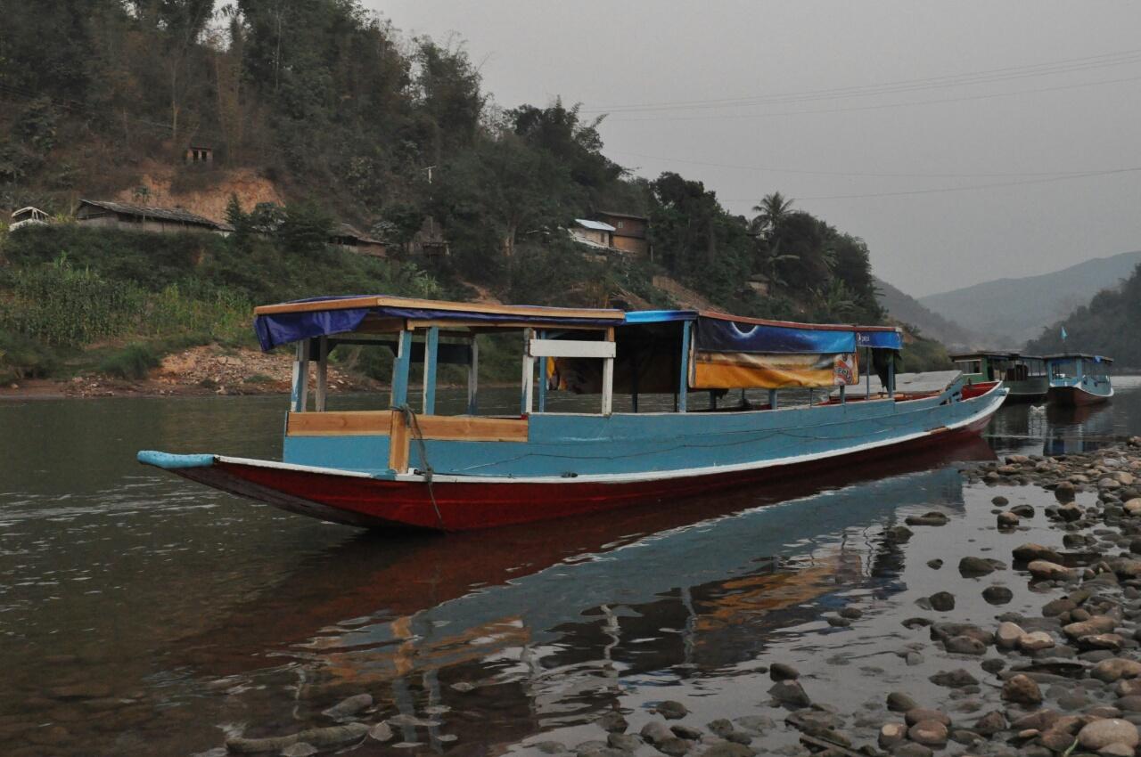 Muang Khua - Muang Ngoi : descente en bateau de la Nam Ou