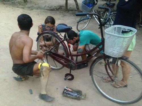 Angkor reparation velo