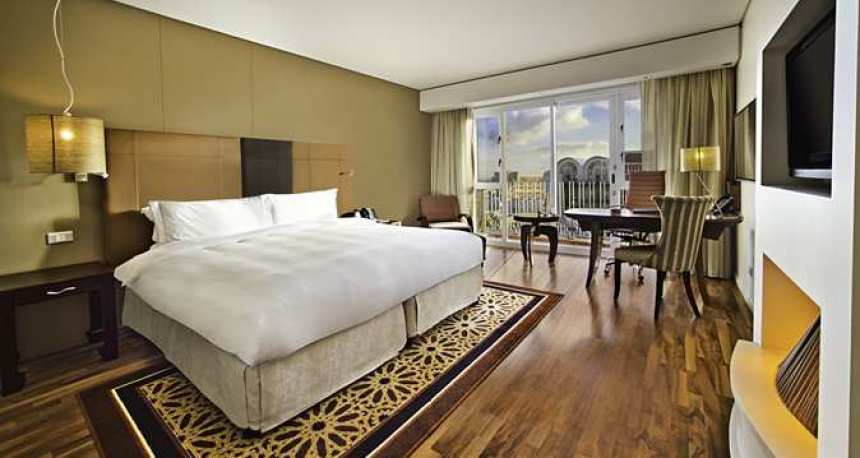 King Deluxe Room with Free Wi-Fi