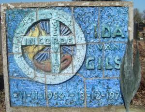 Millingen - Grafsteen Ida van Gils (voorzijde)