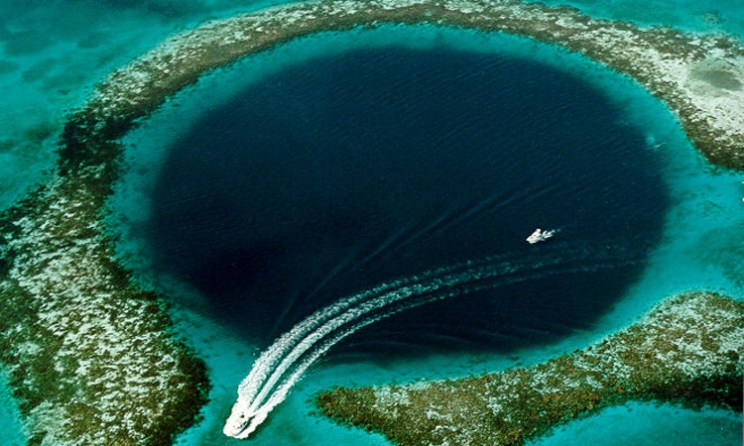 What Is The Great Blue Hole Of Belize?