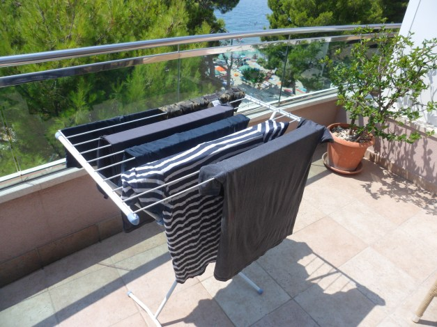 A laundry rack and a hot Mediterranean sun -- It doesn't get any better!