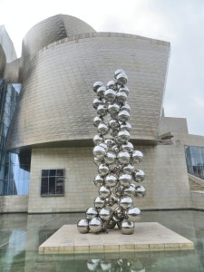 We were amused to see this art outside the Guggenheim. It's essentially the same as a statue we saw in front of the Leeum, the modern art museum in Seoul back in May. Apparently you need one of these to have a modern art museum….