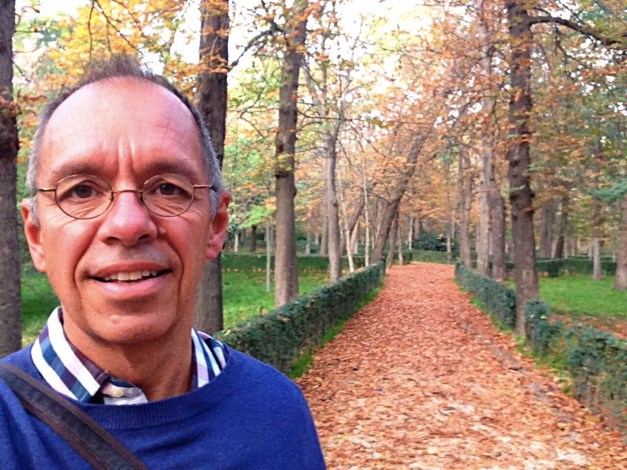 A late afternoon selfie in Buena Retiro Park. There were cute paths like this, statues, big open spaces … a pretty great park in the middle of the city.